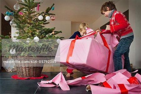 Christmas Presents.614 05792385