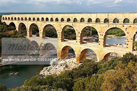 Pont du gard, nimes, provence, france