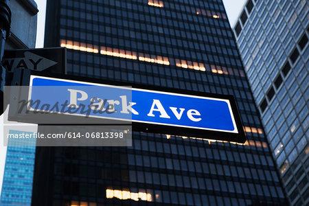 Park avenue sign, New York City, USA