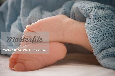 Baby boy 's feet, close up