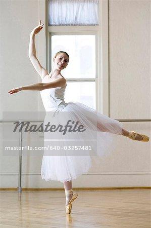 Springville, Utah, USA, Teenage (16-17) ballet dancer