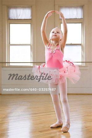 Springville, Utah, USA, Little ballet dancer (4-5) exercising