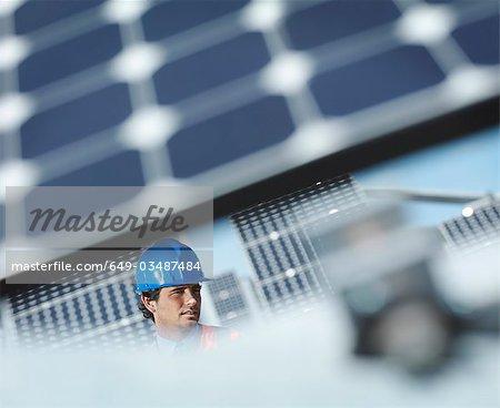 Spanish solar power station and engineer