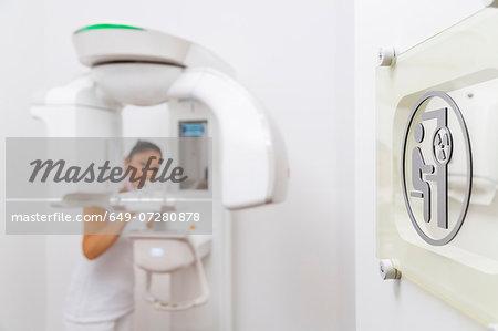 3D xray machine and dental nurse