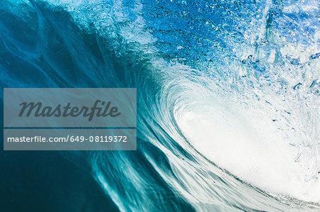 Barreling wave, close-up