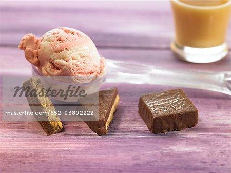 Strawberry ice cream with chocolate wafer cookies and banana milk shake