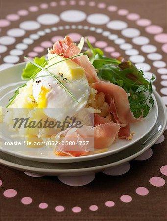 Mashed potatoes,soft-boiled egg and raw ham