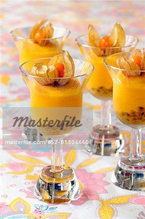 Mango-passion fruit cream dessert