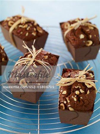 Chocolate and hazelnut mini cakes