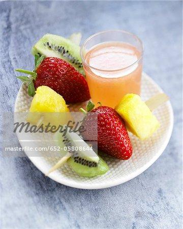 Fresh fruit brochettes