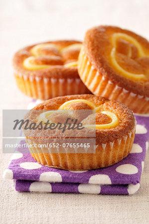 Small custard cakes