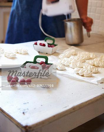 Preparing mini Vacherins
