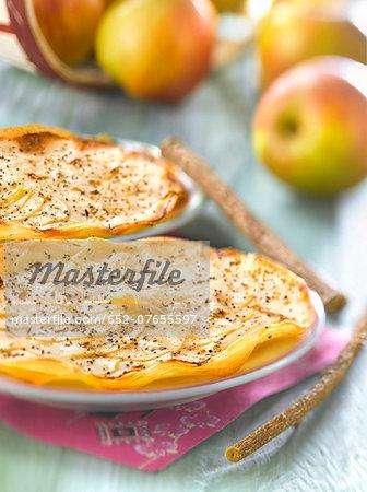 Apple and cinnamon filo pastry tart