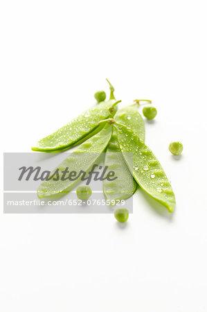 Sugar peas and peas