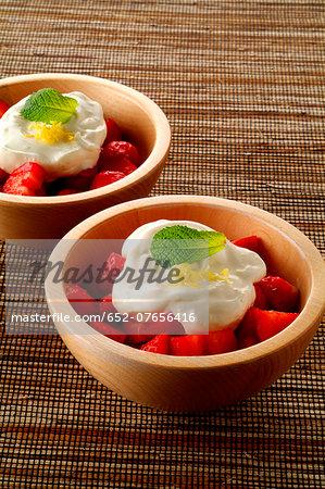 Gariguette strawberries with mascarpone cream
