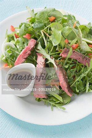 Steak salad with balsamic dressing