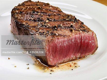 Grilled beef steak (rare)