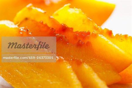Peach slices (close-up)