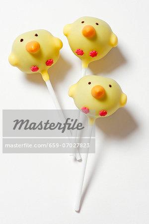 Easter chicks as cake pops