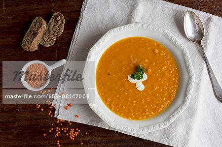 Lentil, orange and carrot soup