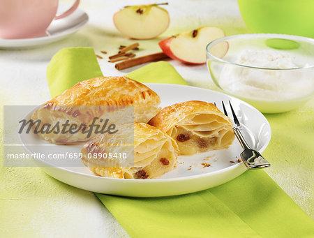 Apple turnover with raisins