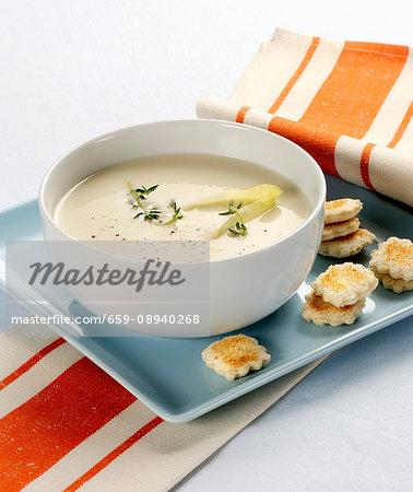 Vellutata di indivia belga (cream of chicory soup, Italy)