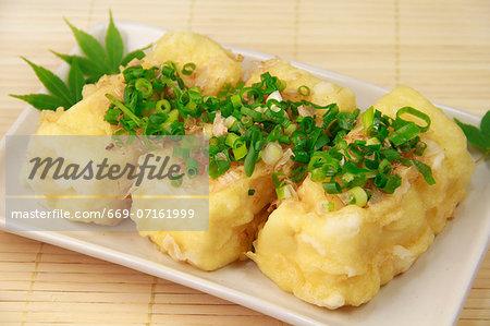 Agedashi tohu (Deep-fried tofu)