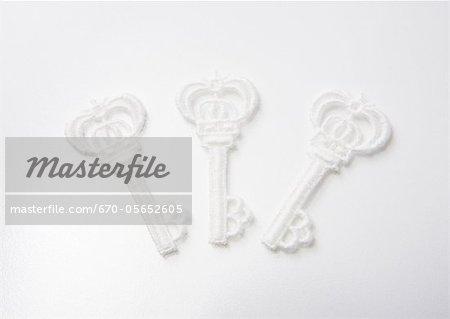 Key-shaped lace