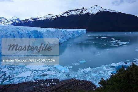 View of Perito Moreno Glacier in low evening light, Parque Nacional Los Glaciares, El Calafate, Patagonia, Argentina, South America