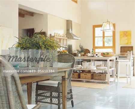Mediterranean open plan kitchen