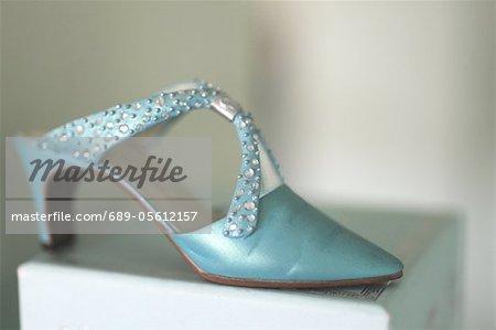 Single womens shoe