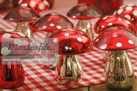 Decorative fly agarics
