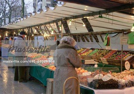France, Paris, street market
