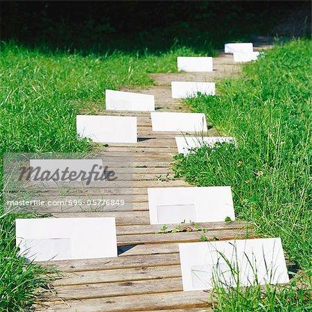 Envelopes on path