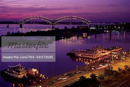 Hernando DeSoto Bridge over Mississippi River Memphis, Tennessee, USA