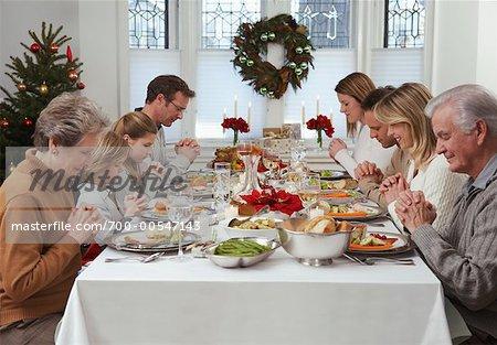 Christmas Dinner Prayer.700 00547143