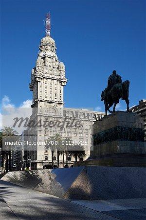 Independance Plaza, Montevideo, Uruguay
