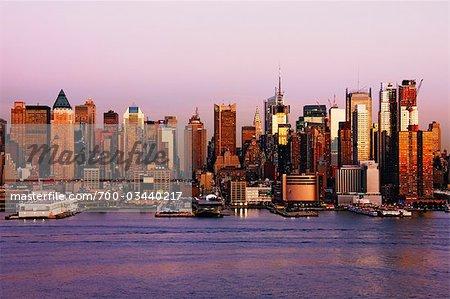 Midtown Manhattan at Dusk, New York City, New York, USA