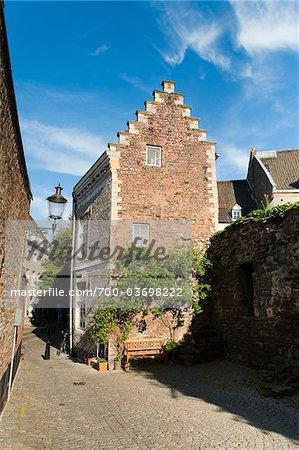 Lang Grachtje Street, Maastricht, Limburg, Netherlands