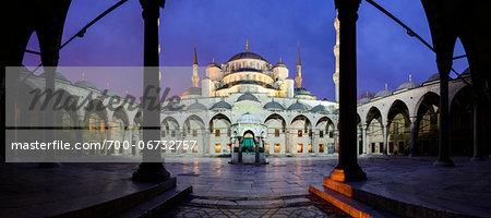 Turkey, Marmara, Istanbul, Blue Mosque, Sultan Ahmed Mosque, Courtyard at Dawn