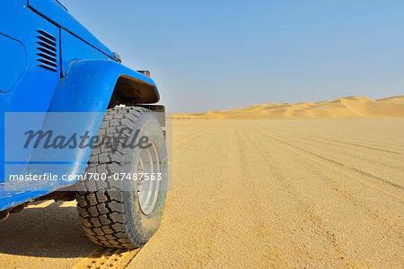 Four Wheel Drive Car in Desert, Matruh, Libyan Desert, Sahara Desert, Egypt