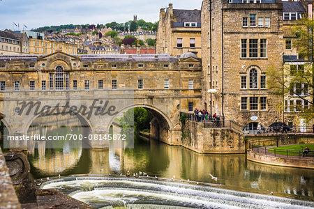 Pulteney Bridge over the River Avon, Bath, Somerset, England, United Kingdom