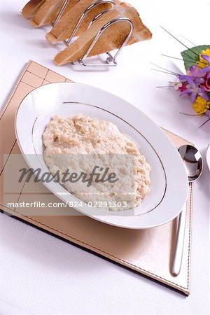 Plain porridge on the breakfast table.