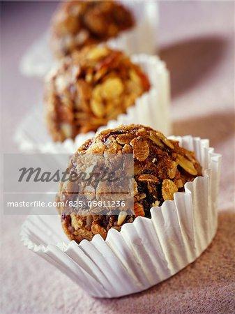 Prune truffles covered in muesli