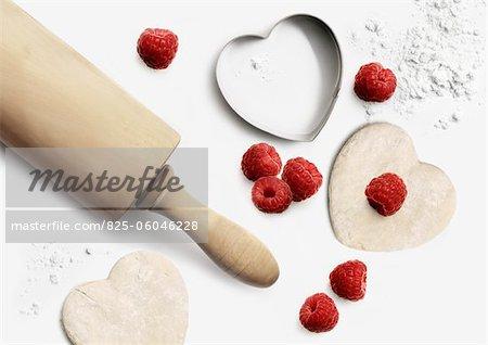 Preparing raspberry cookies