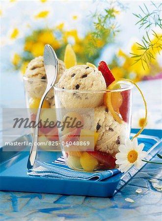 Vanilla and cookie ice cream with fresh fruit