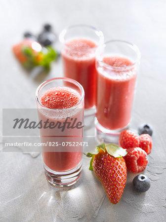 Strawberry-raspberry-blueberry smoothies