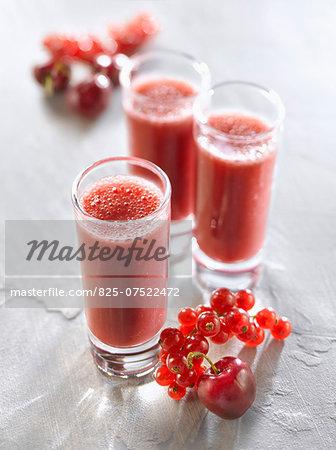 Cherry-redcurrant smoothies
