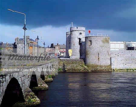 Limerick City, Co Limerick, Ireland, King John's Castle And River Shannon