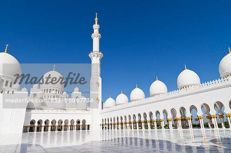 Sheikh Zayed Grand Mosque; Abu Dhabi, United Arab Emirates